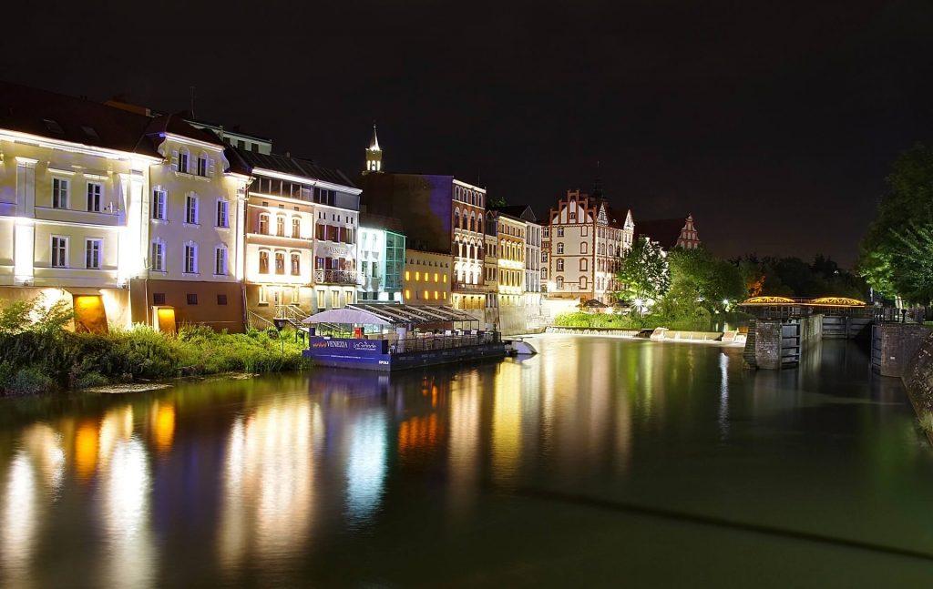 Opole rynek noca